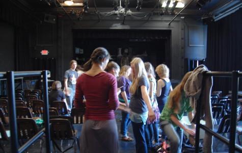 Cue Quinn: Community's New Theater Teacher Makes Immediate Impact