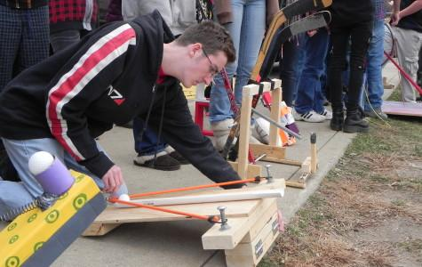 Physics Class Experiments With Catapult Technology