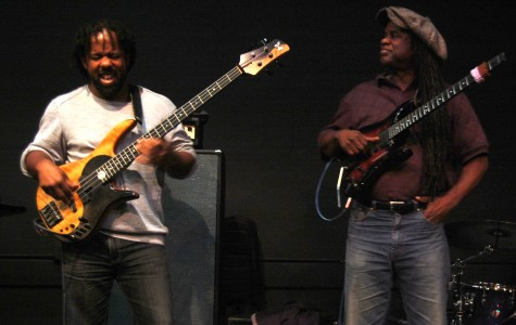 Victor Wooten Holds Masterclass at Community High