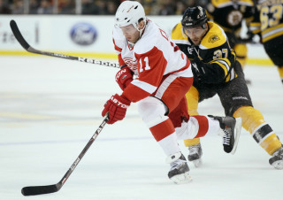Red Wings Thrash Bruins
