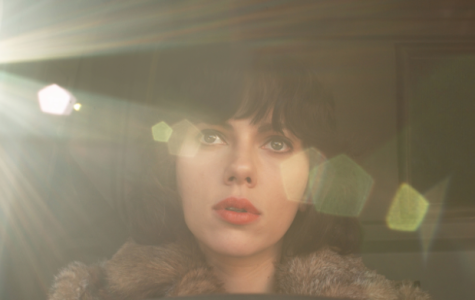 """""""Under the Skin"""" is Haunting, Experimental Science-Fiction"""