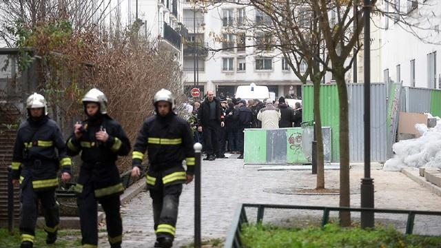Firefighters+in+after+the+terrorist+attack+on+the+Charlie+Hebdo+Newspaper+in+Paris+from+http%3A%2F%2Fwww.ketv.com%2F