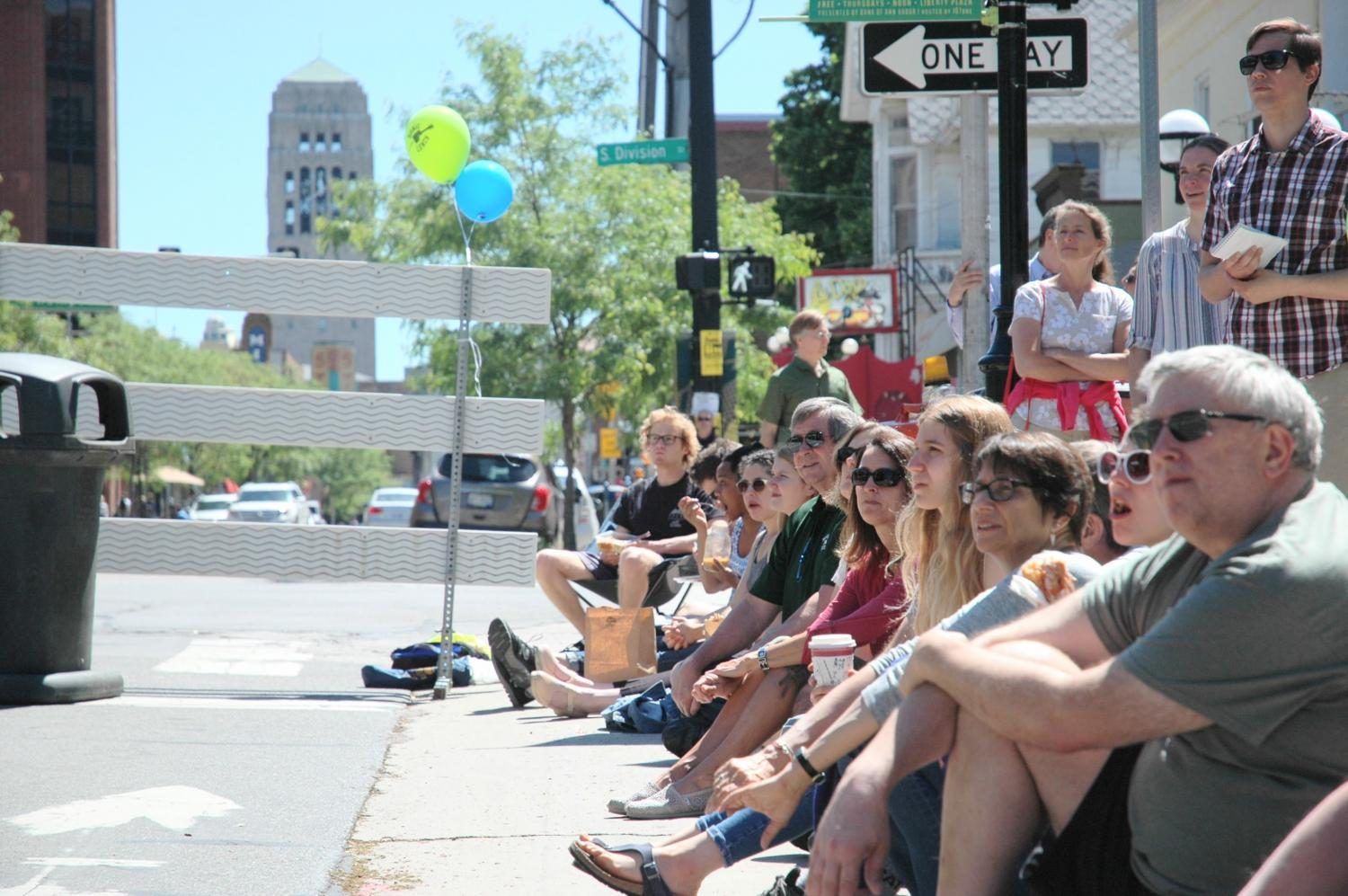 About two hundred people were in attendance on that hot Thursday to watch the two artists perform.