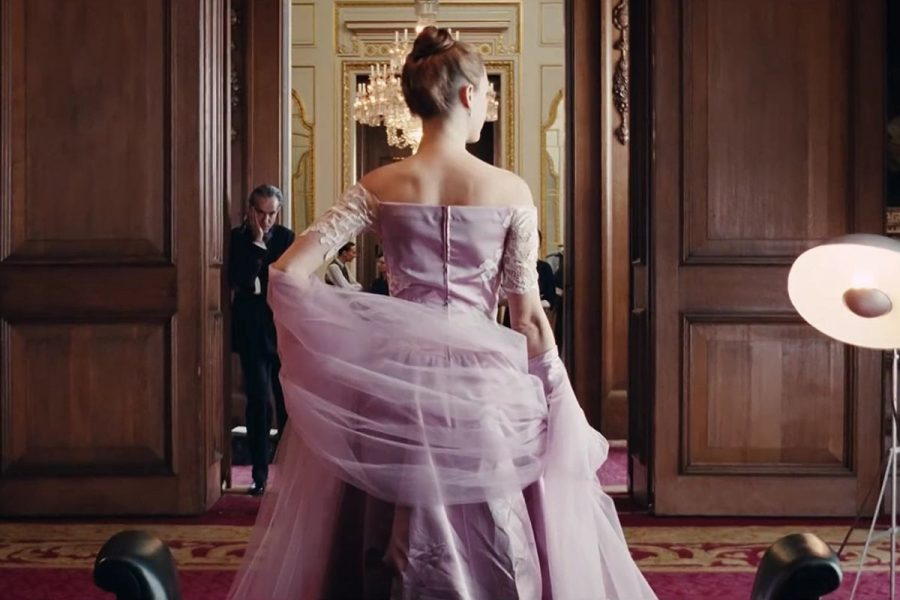 Review%3A+In+%27Phantom+Thread%2C%27+a+Gown+is+a+Love+Letter
