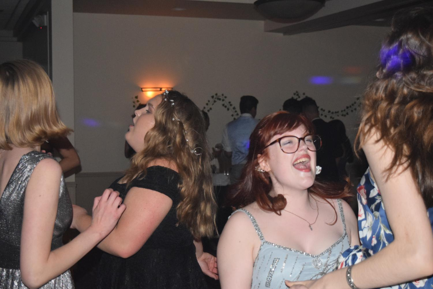 Bree+Linton+and+others+sing+while+dancing+at+prom+on+May+4th%2C+2018.