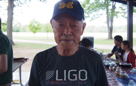 Dr. Tomozawa, nearly 90 years old, remains an ever active member of the physics community. He proudly wore his t-shirt of LIGO, the observatory that confirmed the existence of gravitational waves.