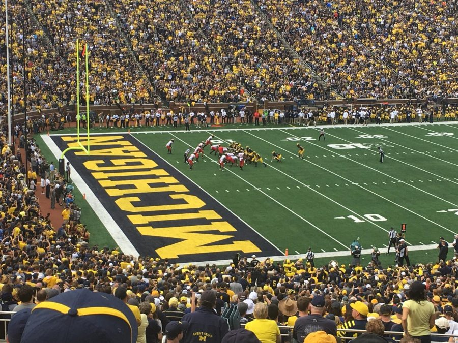Seconds+before+the+seven+yard+touchdown+pass+by+quarterback+Shea+Patterson+to+wide+receiver+Jared+Wangler%2C+to+extend+Michigan%E2%80%99s+lead+to+33-14.+%0A