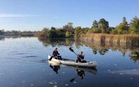 Ecology students visit Crosswinds Marsh